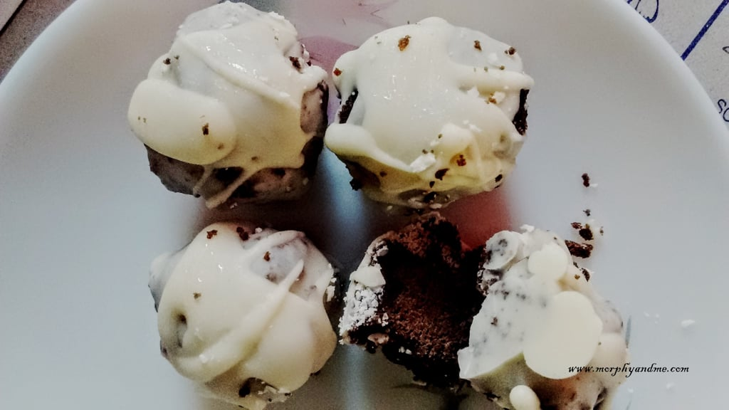 White Chocolate Dipped Dark Chococake Pops