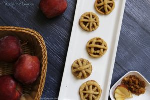Eggfree cinnamony Apple Pie cookies are bite sized treats perfect for a cold winter evening. Crunchy on the outside, moist and chewy in the center