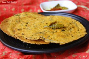 Methi Khakhra is a traditional Gujarati snack. These wafer thin and crisp khakhras have been baked to perfection to make healthy delicious treat.