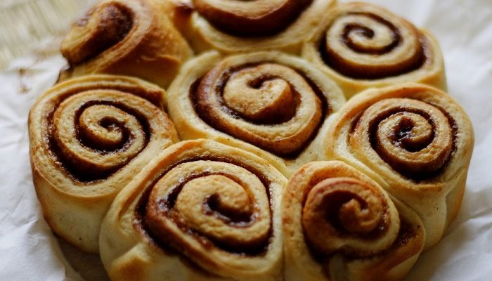 Eggless Cinnamon Rolls Recipe | Easy Sweet Cinnamon Rolls